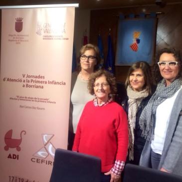 M. Carmen Díez Navarro deja pequeño el Salón de Plenos en la primera sesión de las V Jornadas de Atención a la Primera Infancia
