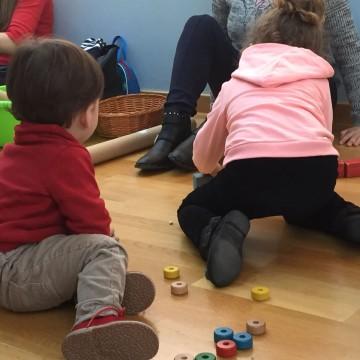 27 de març. Xarrada  adreçada a pares i mares de xiquets menuts i futurs pares: BENEFICIS DEL JOC NO DIRIGIT EN EL DESENVOLUPAMENT INFANTIL